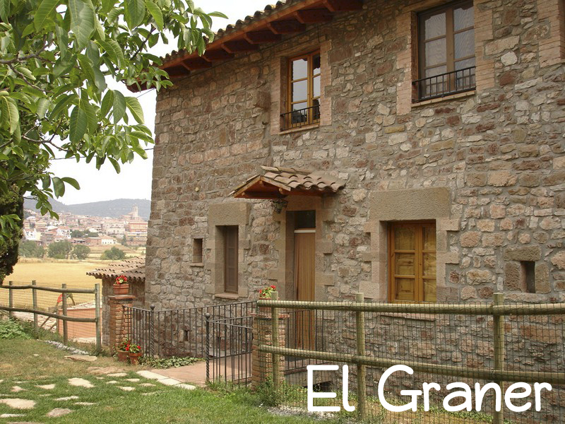 Self catering cottage near Barcelona with 4 places